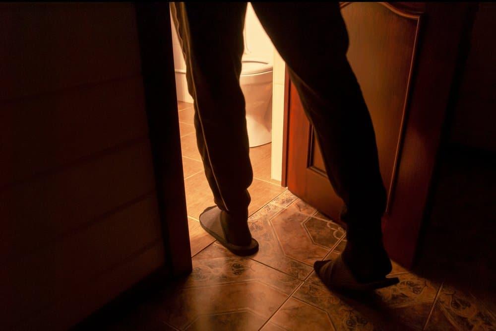 nguyen nhan benh tieu dem 1 - Những nguyên nhân bệnh tiểu đêm bạn cần biết