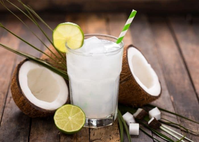4.viem tiet nieu uong nuoc dua tot khong - [ GÓC HỎI - ĐÁP] Chữa viêm đường tiết niệu bằng nước dừa có hiệu quả không?