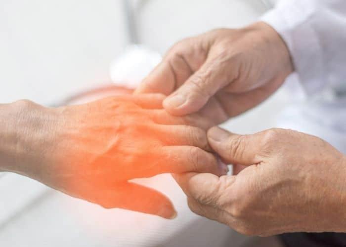 5.tieu dem o nguoi gia do benh than kinh - Tiểu đêm ở người già có nguy hiểm không? Làm thế nào để chữa?