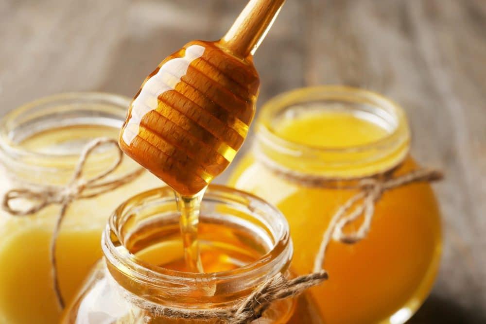 chua dai dam bang mat ong 1 - Bác sĩ tiết lộ bí quyết chữa đái dầm bằng mật ong cực hay
