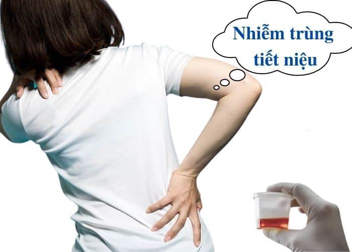 tieu ra mau dau lung do nhiem trung tiet nieu - Tiểu ra máu và đau lưng cảnh báo bệnh gì? Làm thế nào để chữa?