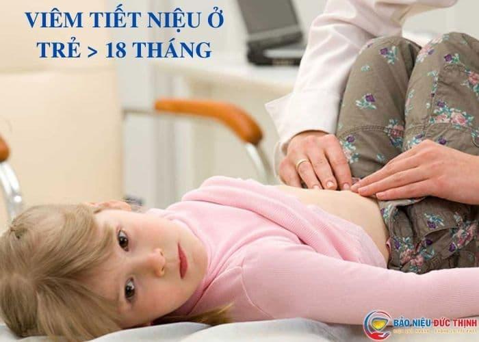 trieu chung viem tiet nieu tre lon hon 18 thang - Viêm đường tiết niệu ở bé gái: Nguyên nhân, triệu chứng và cách chữa trị hiệu quả