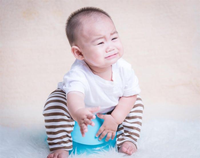 viem duong tiet nieu be trai 1 - Những tiết lộ bất ngờ về chứng viêm đường tiết niệu bé trai