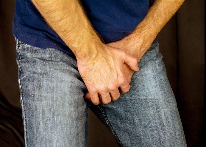 5.di tieu buot va ngua o nam gioi do viem tiet nieu - [ HỎI - ĐÁP] Đi tiểu buốt và ngứa ở nam giới là bệnh gì? Nguyên nhân do đâu?