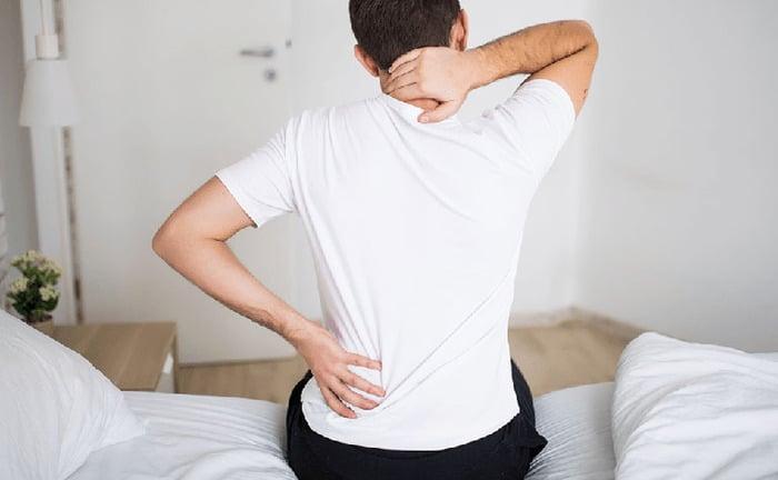 dau lung va tieu dem - Những sự thật về chứng đau lưng và tiểu đêm có thể bạn chưa bao giờ biết