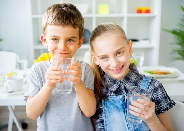 phong ngua tre tieu nuoc duc - [ Hỏi - Đáp] Trẻ đi tiểu nước đục có phải bệnh lý viêm đường tiết niệu?